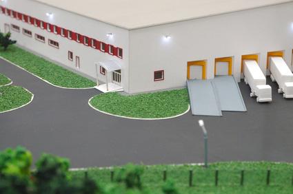 Warehouse_model_with_tiny_trucks