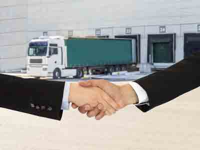 How to Choose the Right Customs Broker and Freight Forwarder | Shipping Solutions